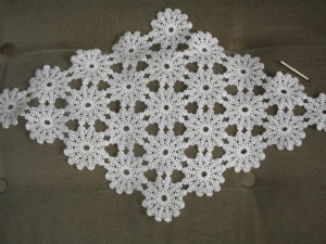 Crochet_small_Swedish_tablecloth_about_1930