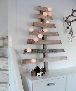 arbol-navideño-con-palets1-250x300